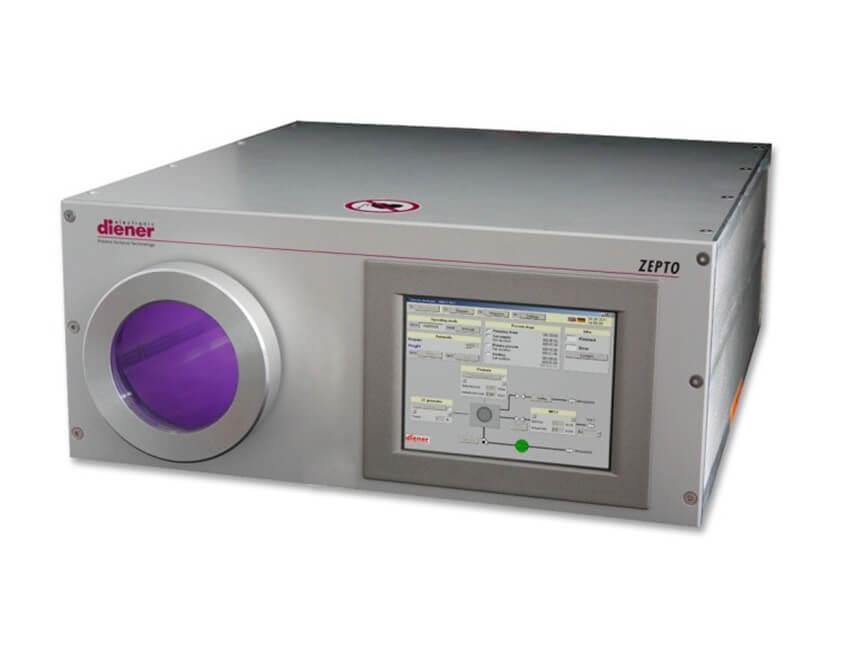 Equipo de proceso por plasma en baja presion controlado por pantalla táctil